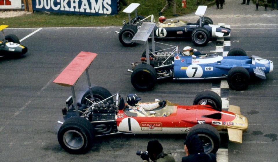 Первый ряд стартового поля «Гонки Чемпионов» '69