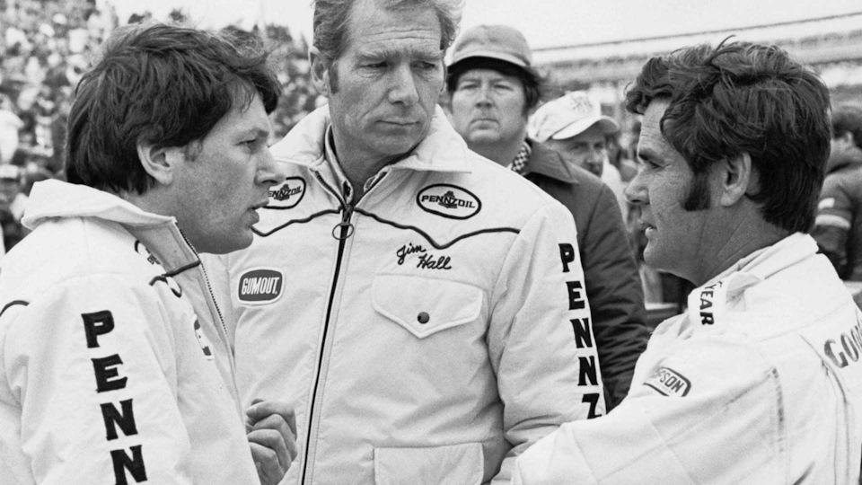 Команда Chaparral сезона '79: Джон Барнард, Джим Холл и Эл Анзер.