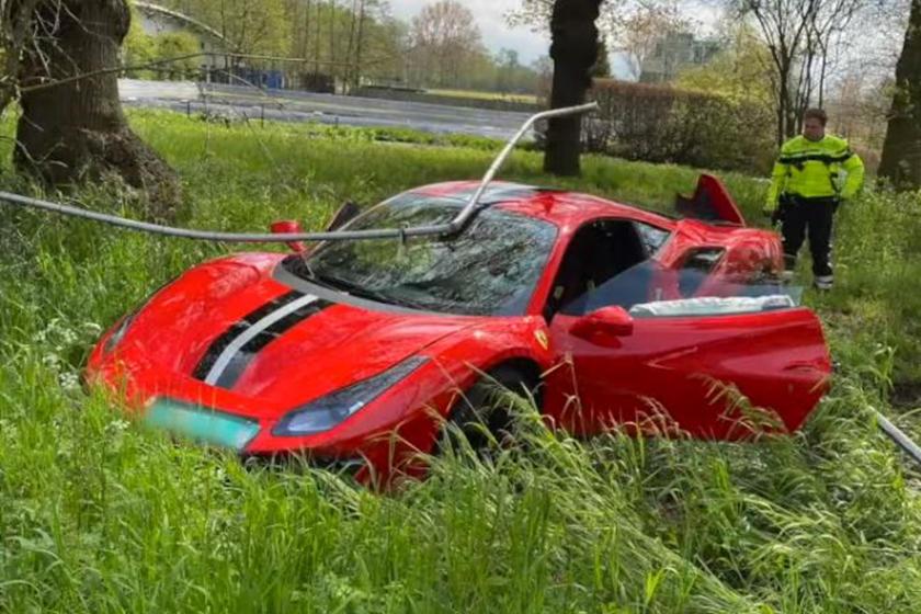 Крэш Ferrari 488 Pista