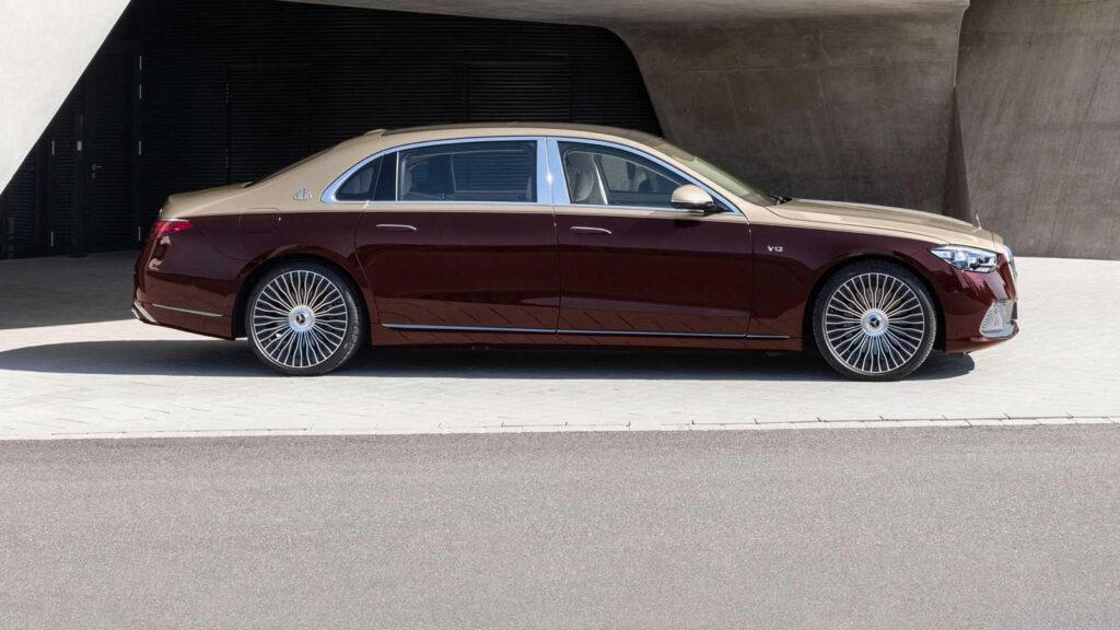 фото Mercedes-Maybach года с двигателем V12