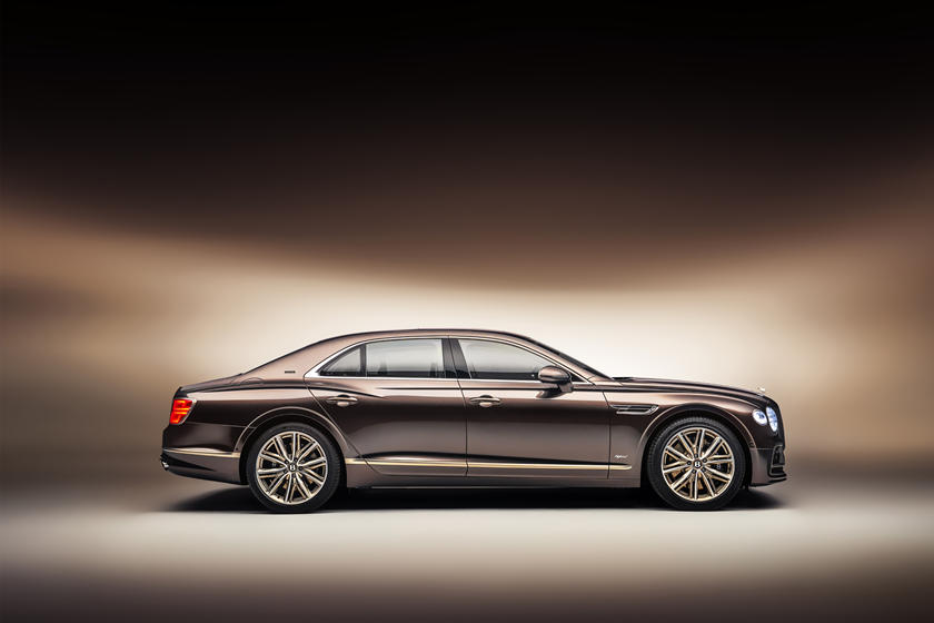 фото Bentley Flying Spur Hybrid Odyssean Edition