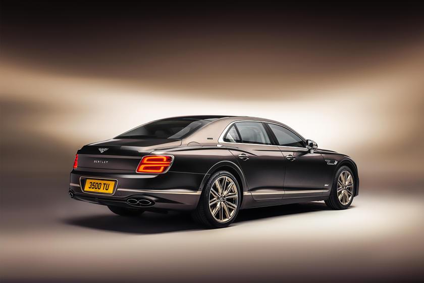 цена Bentley Flying Spur Hybrid Odyssean Edition