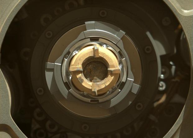 «Персеверанс» получил первый образец марсианского грунта
